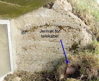 telefonforbindelse mellom den optiske avstandsmåleren og ildledersentralen i telefonkabler gjennom et jernrør